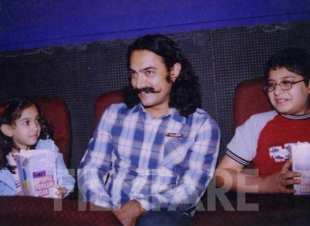 Aamir Khan in his Mangal Pandey look with his kids