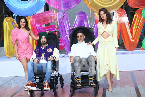 Kareena Kapoor Khan Akshay Kumar Diljit Dosanjh and Kiara Advani launch the trailer of Good Newwz
