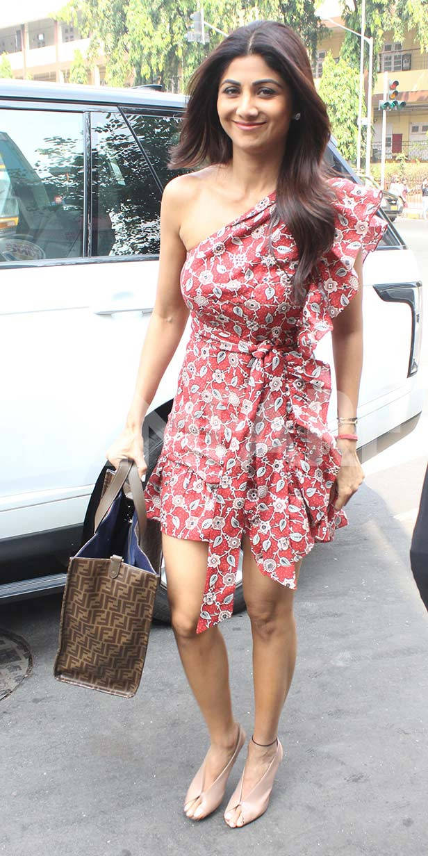 Shilpa Shetty steps out for lunch with husband Raj Kundra and son Viaan Raj Kundra