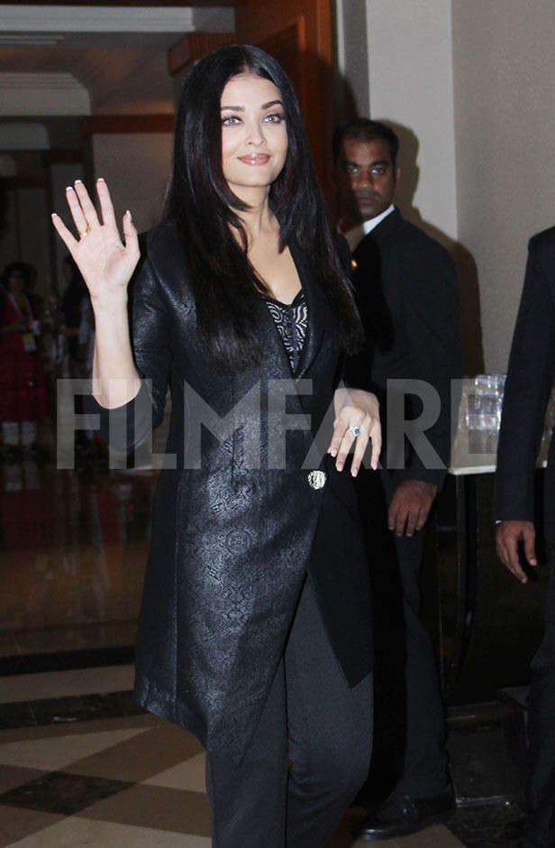 Aishwarya Rai Bachchan Launches The Hindi Trailer Of