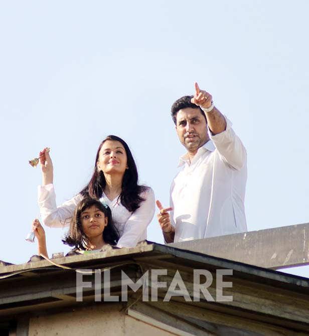 Bollywood stars clicked at their homes on Janta curfew
