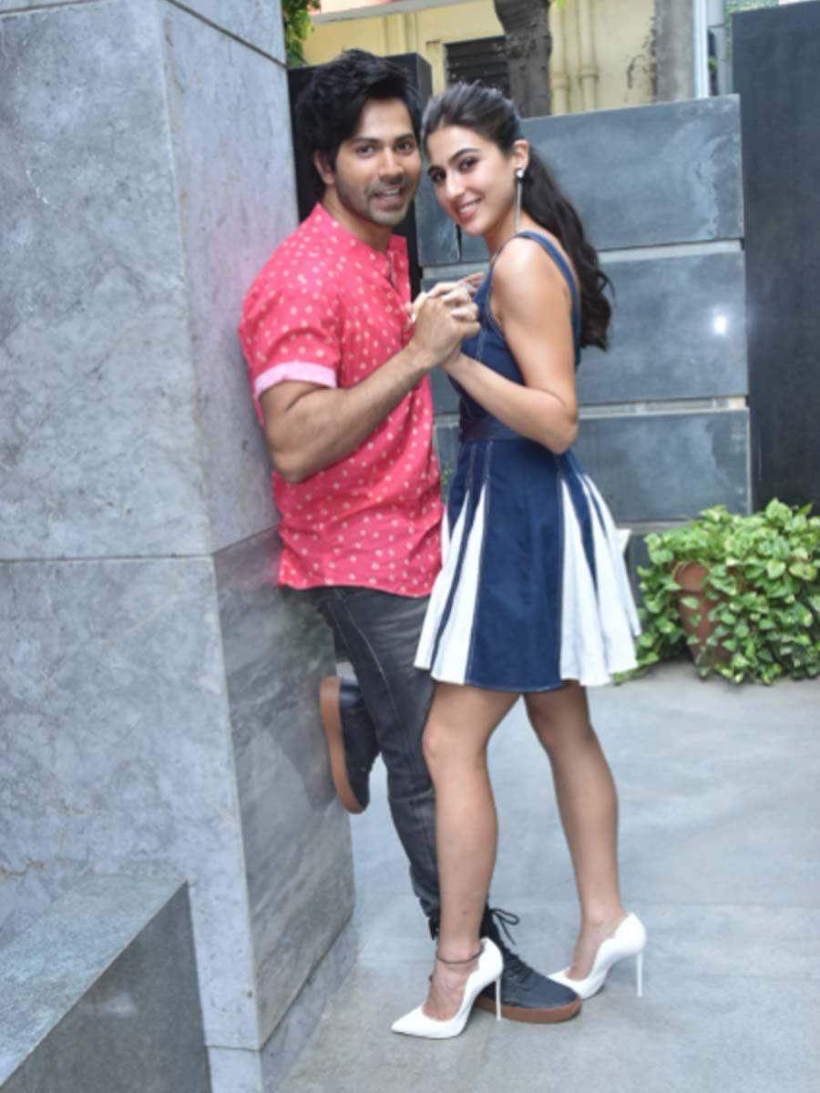 Photos Varun Dhawan And Sara Ali Khan Step Out For Coolie No 1 Promotions Filmfare Com
