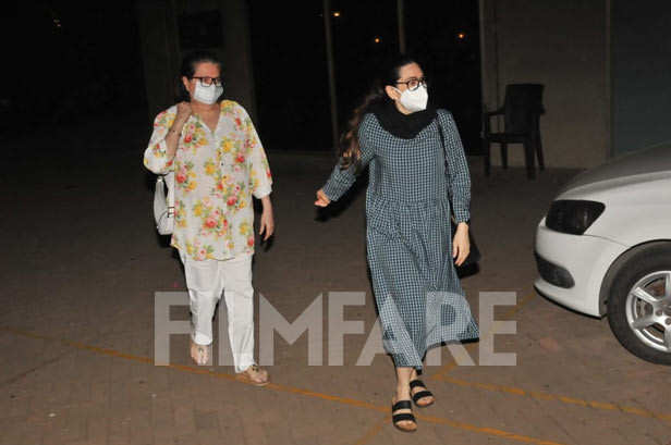 , In pictures: Karisma Kapoor spotted at sister Kareena Kapoor Khan's house, Indian & World Live Breaking News Coverage And Updates