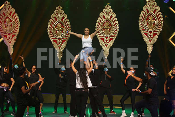 Amruta Khanvilkar rehearses for the Planet Marathi presents Filmfare Awards (Marathi)
