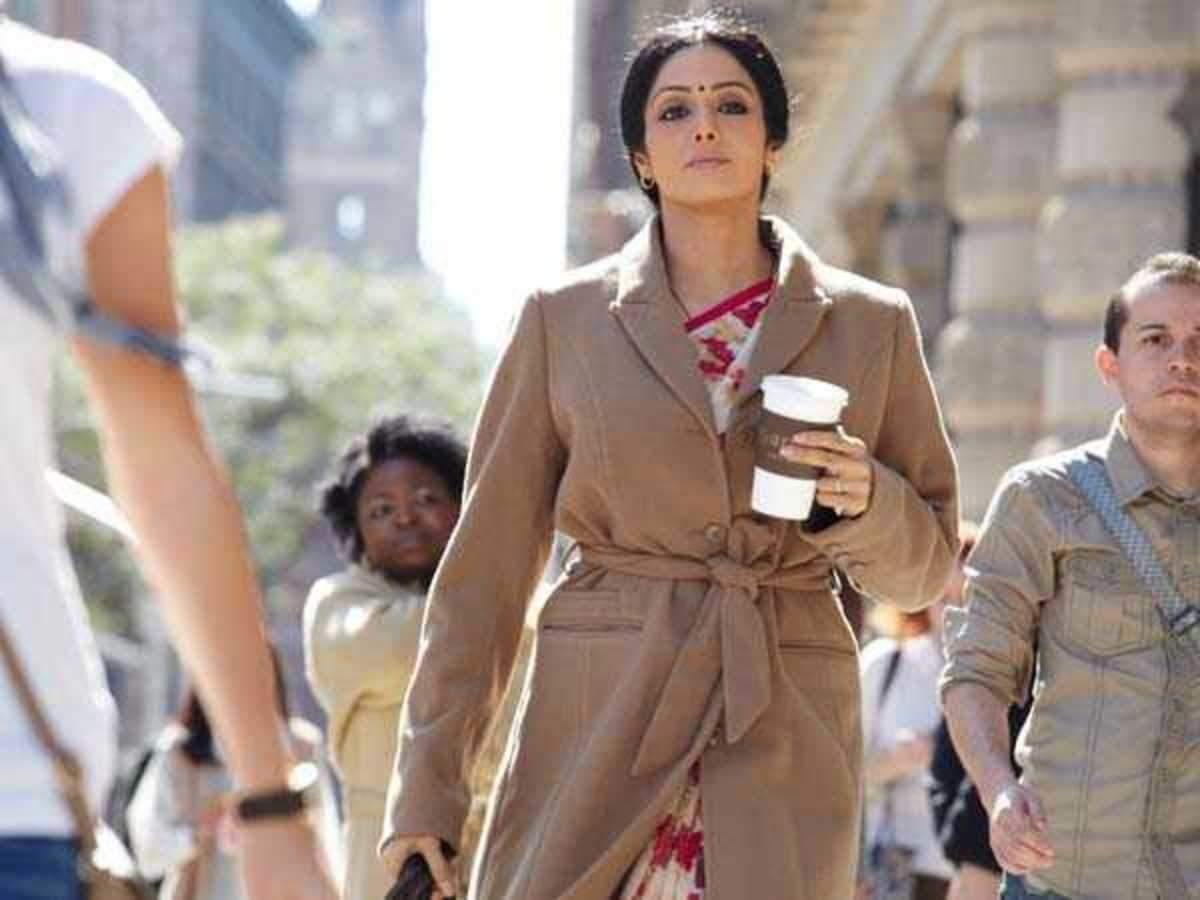 Movie Review: English Vinglish | Filmfare.com