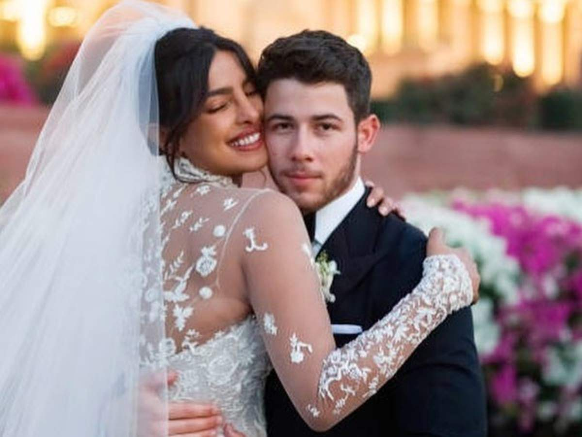 People Gave Us A Lot Of Shit Priyanka Chopra On Age Difference Between Her And Nick Jonas Filmfare Com