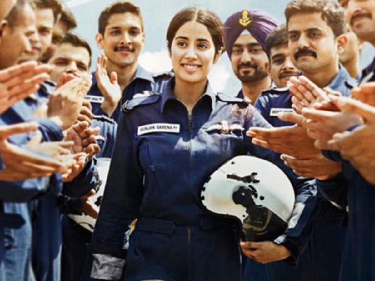 Gunjan Saxena The Kargil Girl Movie Review Filmfare Com