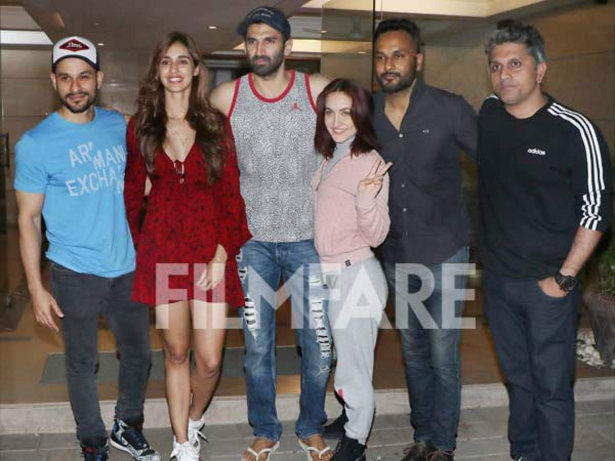 The Cast Of Malang Spotted Partying Together At Aditya Roy Kapur S Residence Filmfare Com